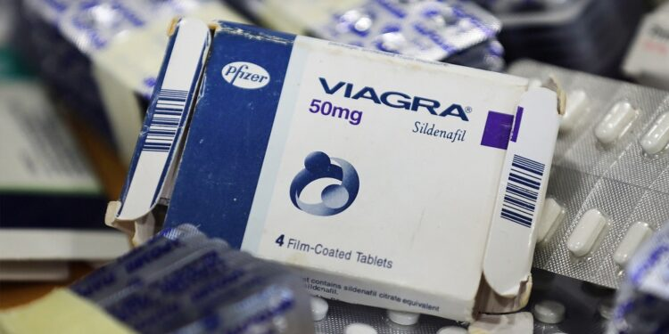 Viagra: Dosage and side effects