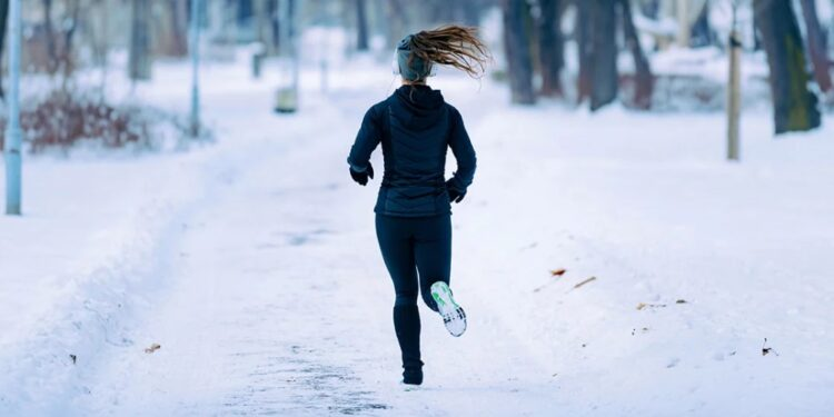 Practical winter running tips to maintain your workout