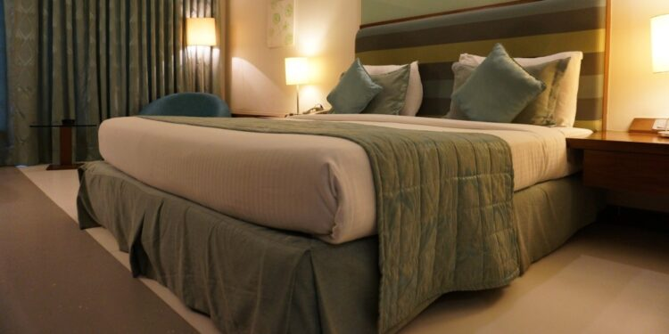 Things to consider when booking a hotel room